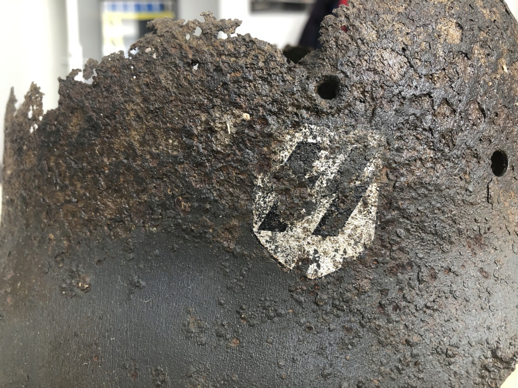 Restes casque SS B6b83210