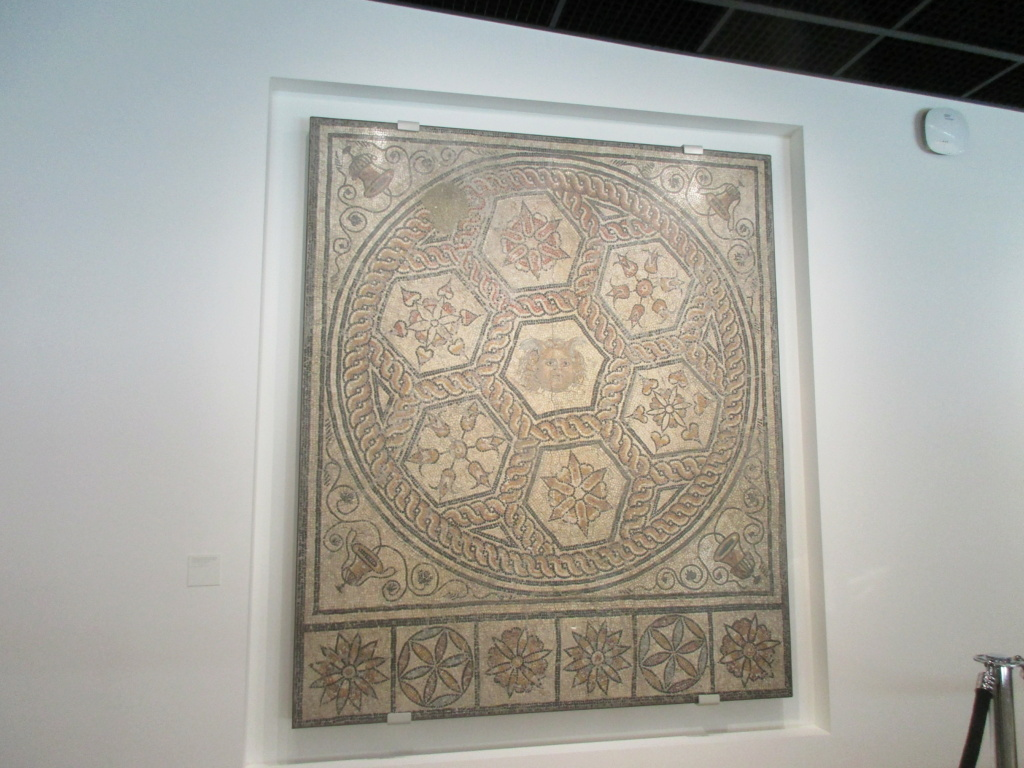 Pour le partage, Musée de la Romanité a Nimes Img_6919