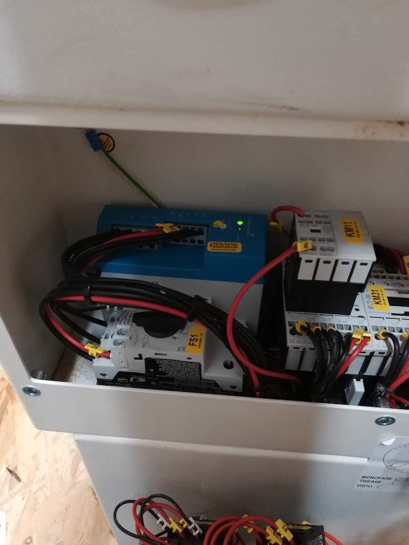 Problème électrique sur Toupie de combiné Minimax c26 Img_2012