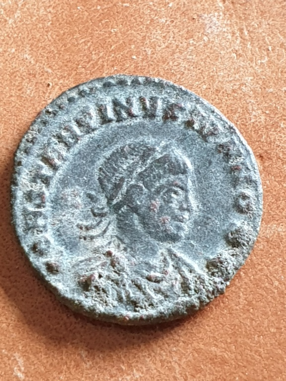 AE3 de Constantino II. ROMAE AETERNAE. Roma 20200312