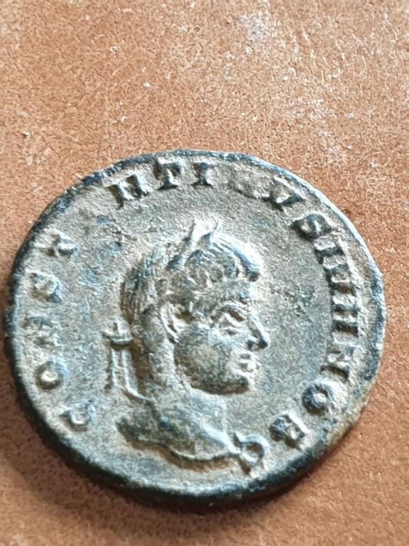 AE3 de Constantino II. CAESARVM NOSTRORVM / VOT V. Siscia 20200314
