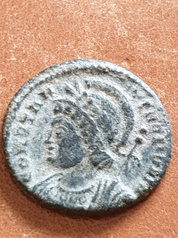 AE4 conmemorativo de la Ciudad de Constantinopla. Lyon 20200325