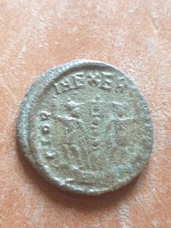 AE4 de Constantino II. GLORIA EXERCITVS 20200332
