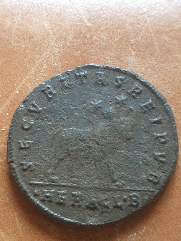 AE1 de Juliano II (el Apóstata). SECVRITAS REIPVB. Heraclea 20200354