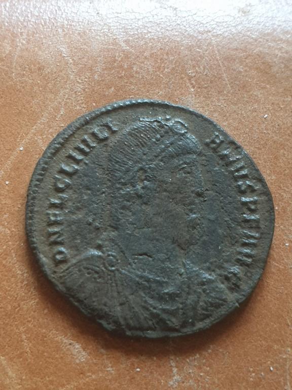 AE1 de Juliano II (el Apóstata). SECVRITAS REIPVB. Heraclea 20200355
