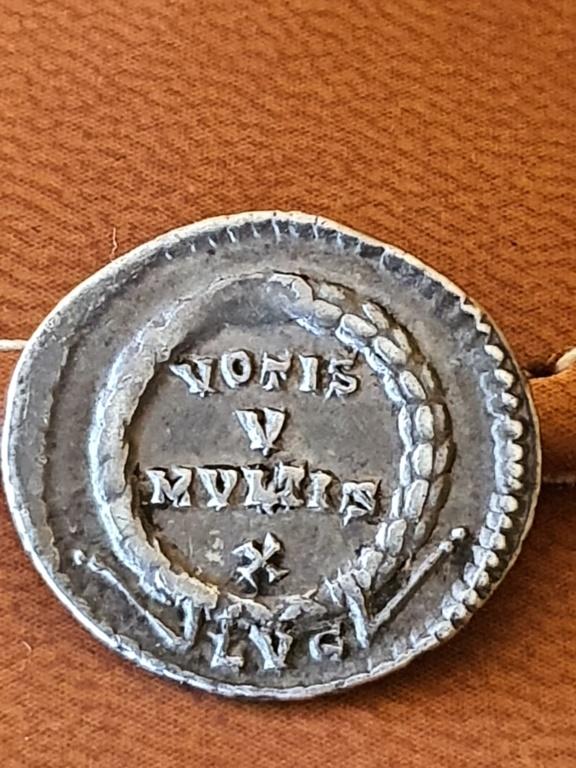 Silicua de Juliano II (el Apóstata). VOTIS V MVLTIS X. Lyon 20200540
