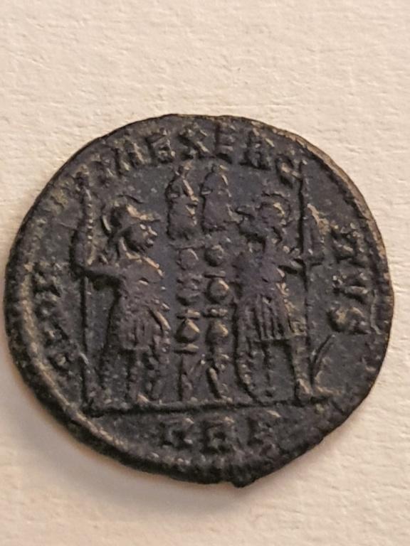 AE3 de Constantino I. GLORIA EXERCITVS. Roma 20200736