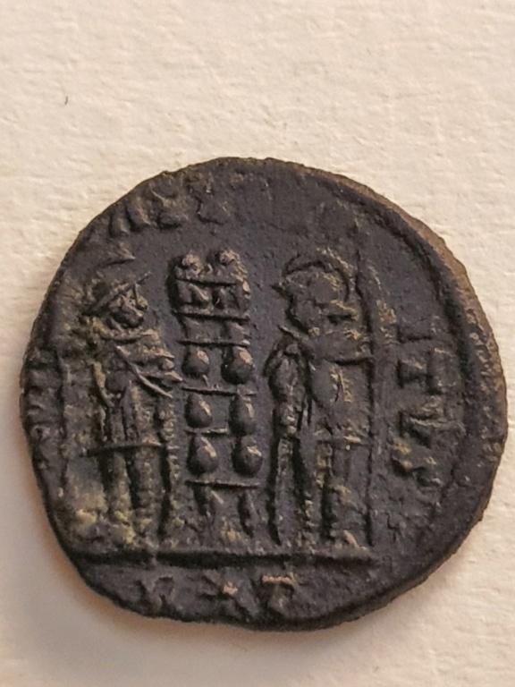 AE3 de Constantino I. GLORIA EXERCITVS. Roma 20200738