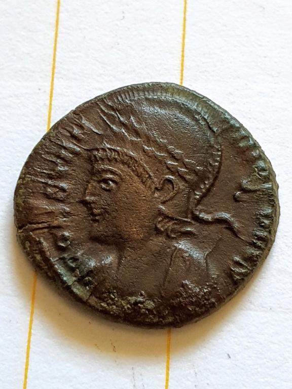 AE3 Conmemorativo de la ciudad de Constantinopla. Trier 20200920