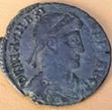 AE2/Maiorina de Magno Máximo. VICTORIA AVGG. Lyon 163_210