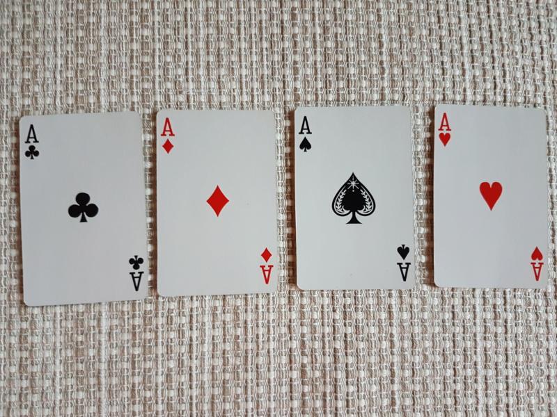 En fin øvelse på å trene sansene-Hvilket kort har jeg plukket vekk? 20180612