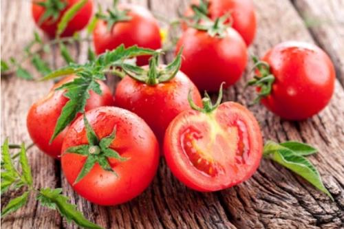 11 helsebringende grunner til å spise tomat Spatje12