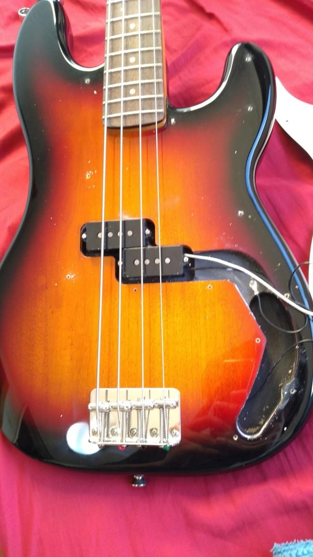 Squier Classic Vibe(2019) 60's Precision Bass Review quase Completa. 810