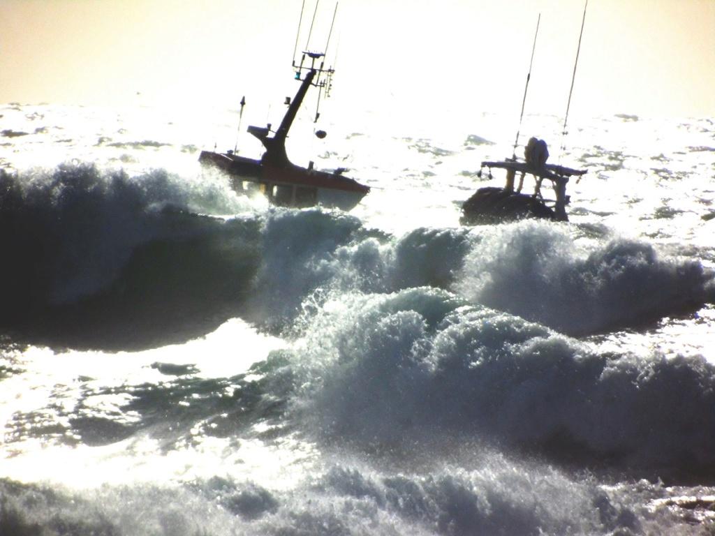 [VIE DES PORTS] Quelques bateaux de pêche (sur nos côtes Françaises) - Page 5 C312