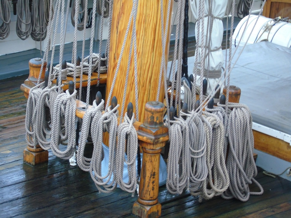 [ Marine à voile ] Vieux gréements - Page 9 Dsc06916