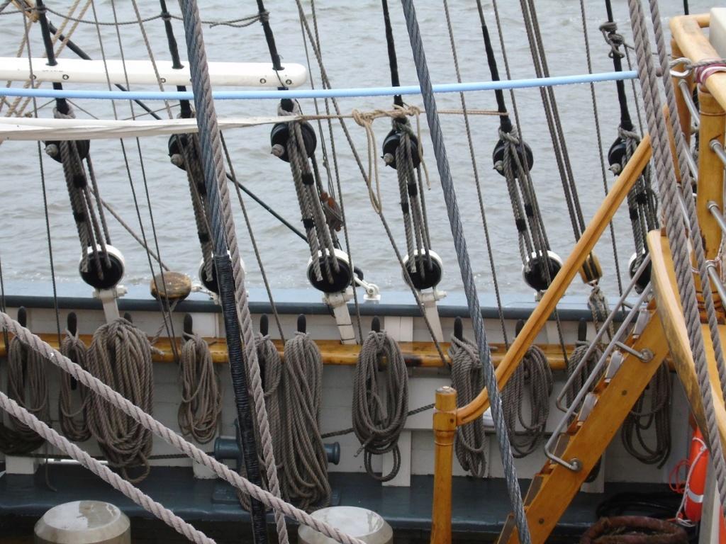 [ Marine à voile ] Vieux gréements - Page 9 Dsc06919
