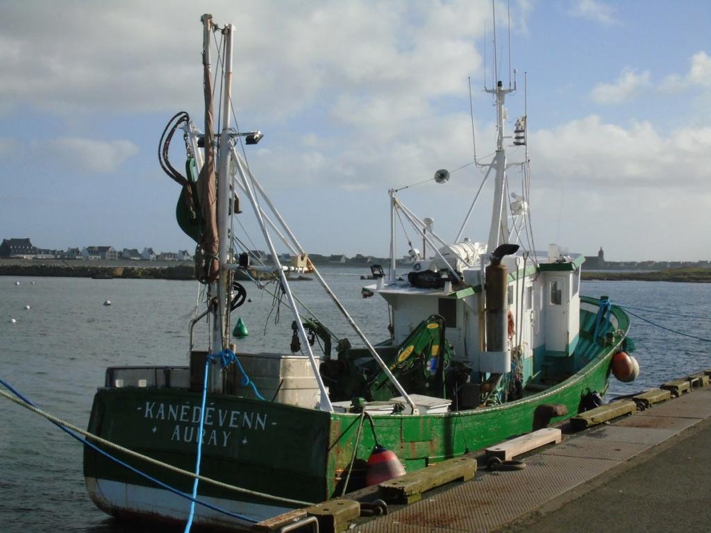 [VIE DES PORTS] Quelques bateaux de pêche (sur nos côtes Françaises) - Page 3 Dsc07113