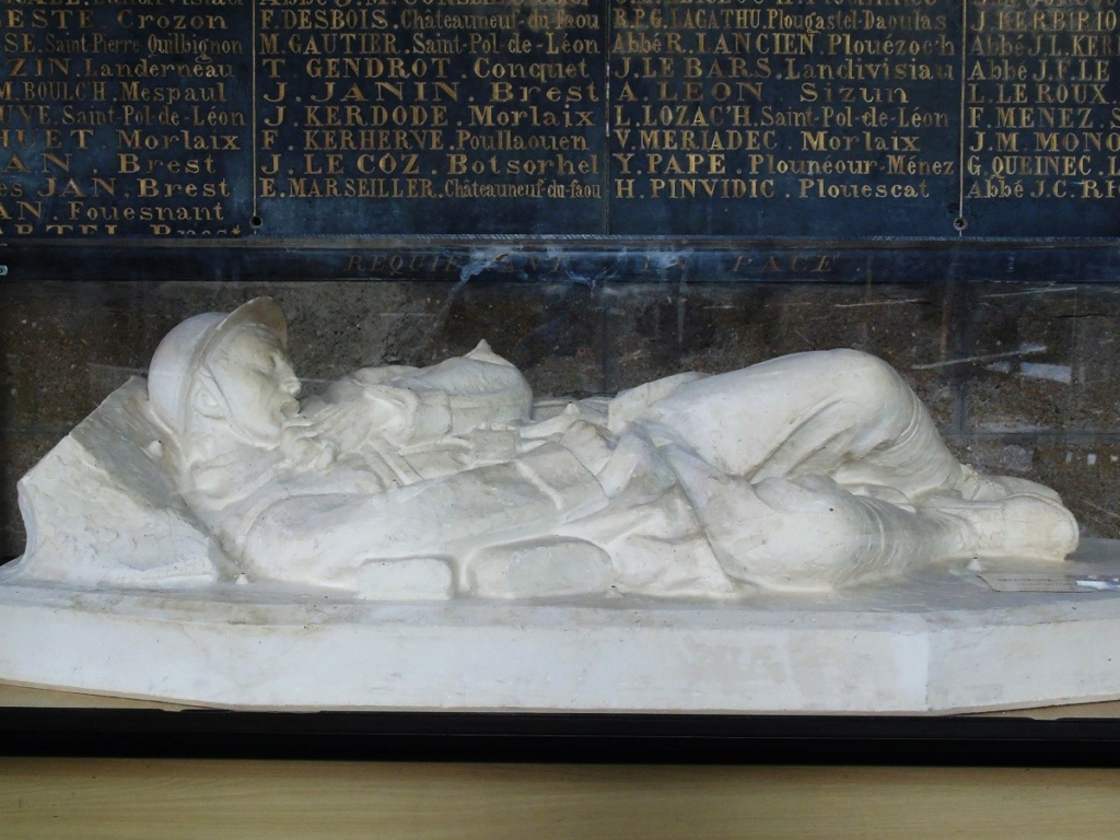 [ Histoires et histoire ] Monuments aux morts originaux Français Tome 2 - Page 23 Ze211