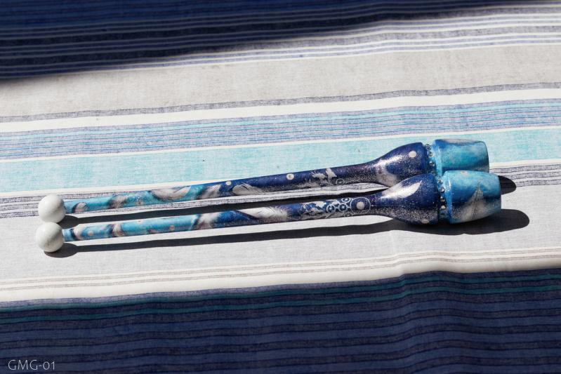 Massues Pastorelli encastrable 36 cm décoration camaïeu de bleu et blanc avec motifs plumes + perles Img_1611