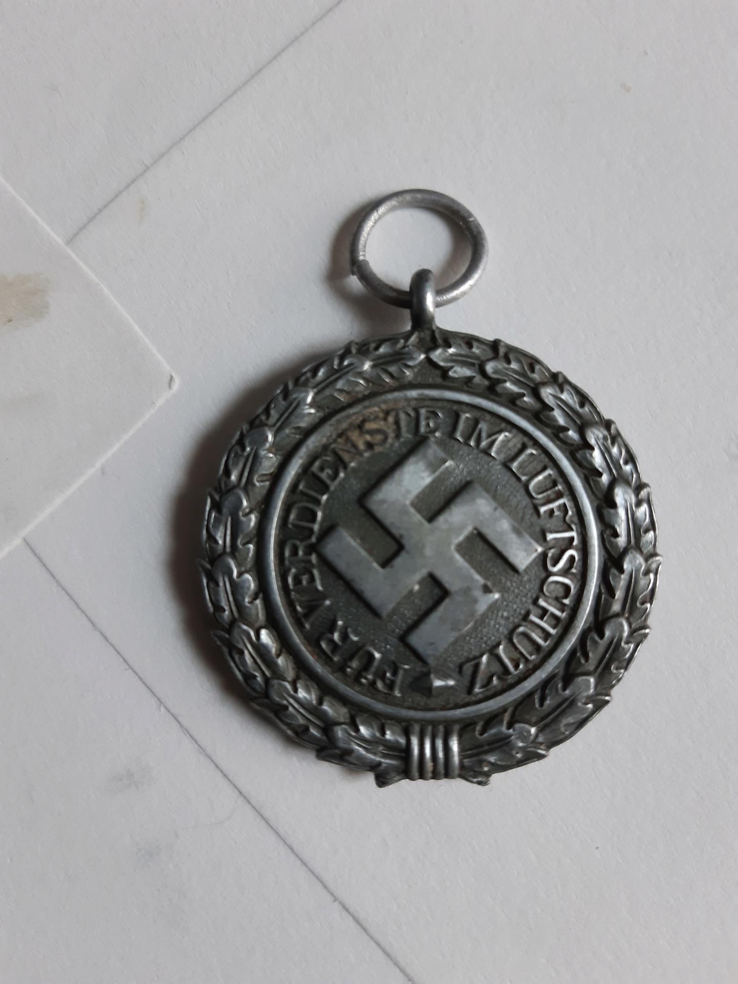 Médaille luftschutz  20200523