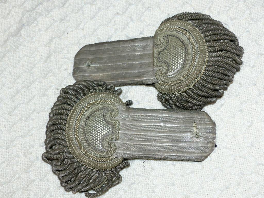 Epaulettes 2 P1110012