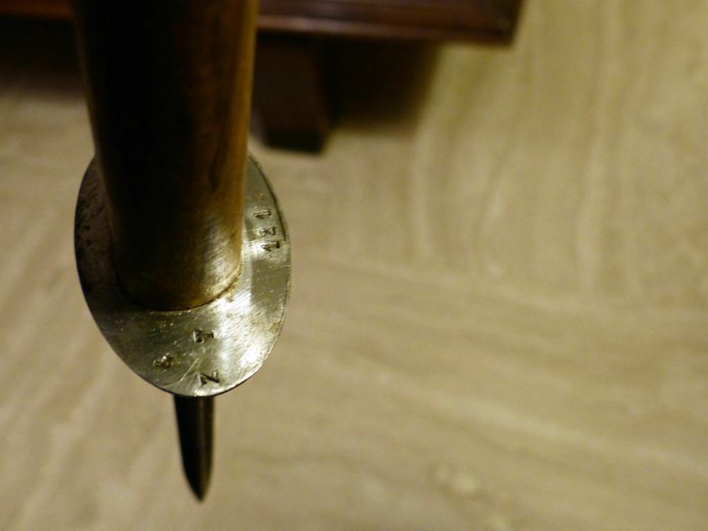 Identification et estimation couteaux/poignards P1110029