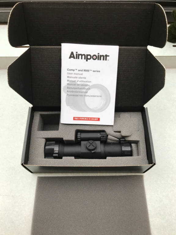[sold] Aimpoint 9000 Series 2MOA Red Dot  Img_9417
