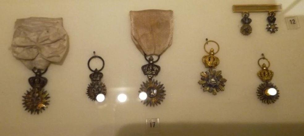 Décoration du Lys dit des Gardes du Corps 12041f11