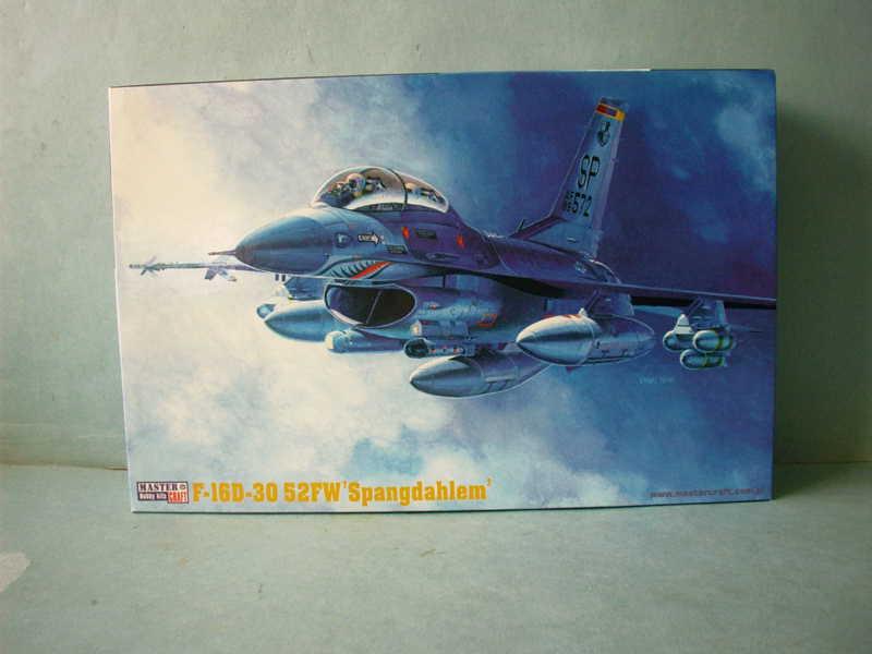 Multi-présentations MASTERCRAFT d avions au 1/72ème Imag0028