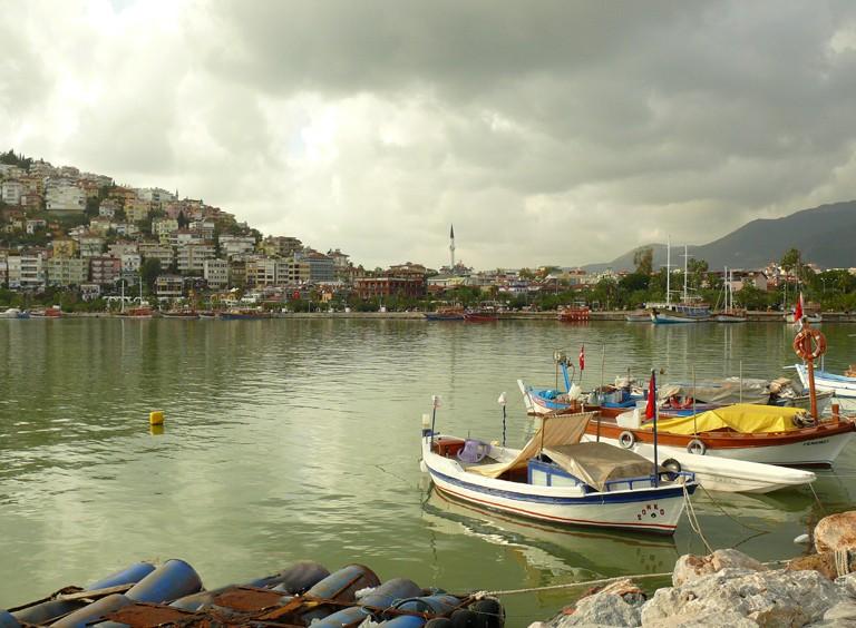 Le port de Side (Turquie) et ses pêcheurs... Pt_tur12