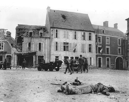 Avant-Après Normandie 1944/2007 Travia10