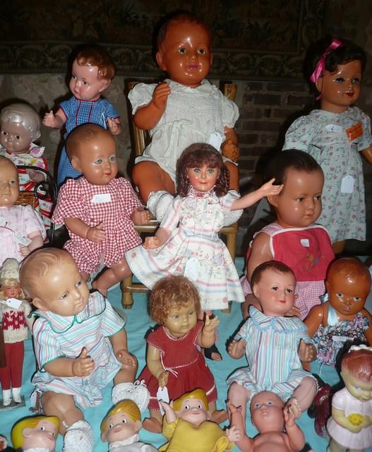 Les 16 et 17 octobre 2010 - Salon des poupées anciennes et exposition Bleuette au château de Fleury-la-forêt (27) 07410