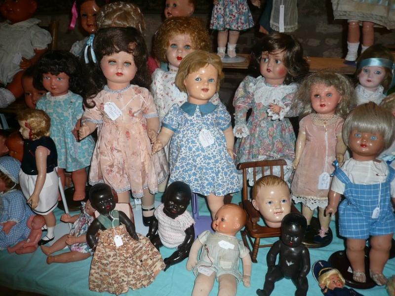 Les 16 et 17 octobre 2010 - Salon des poupées anciennes et exposition Bleuette au château de Fleury-la-forêt (27) 07610