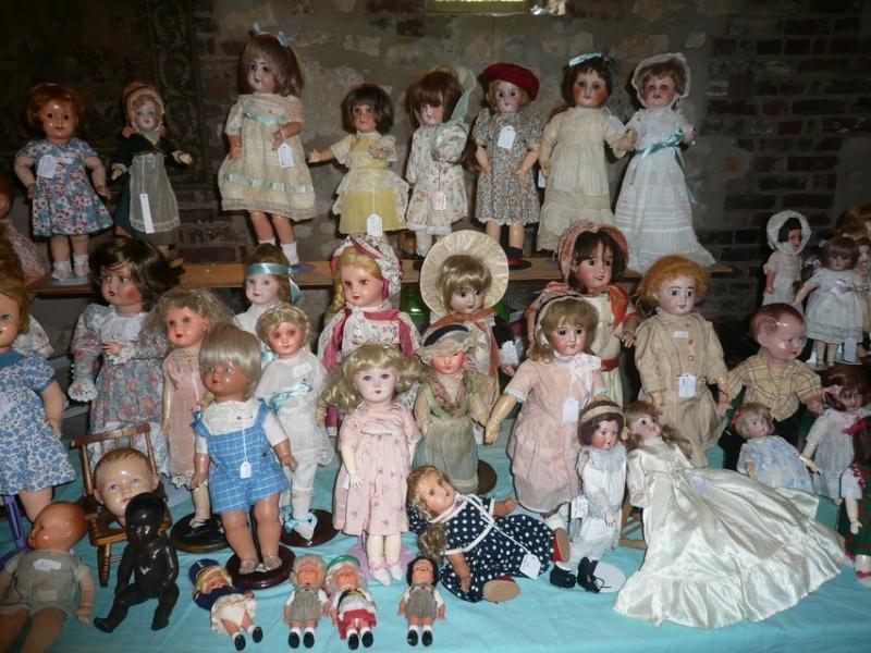 Les 16 et 17 octobre 2010 - Salon des poupées anciennes et exposition Bleuette au château de Fleury-la-forêt (27) 07710
