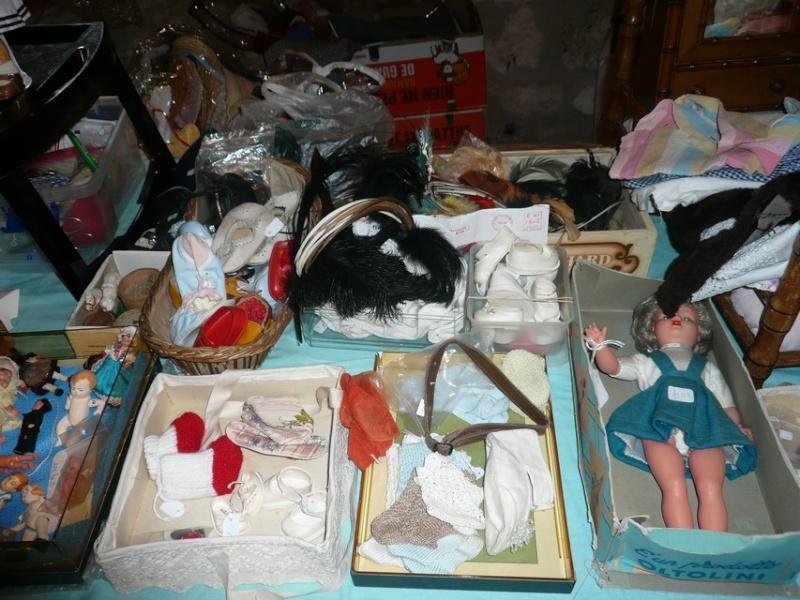 Les 16 et 17 octobre 2010 - Salon des poupées anciennes et exposition Bleuette au château de Fleury-la-forêt (27) 07910