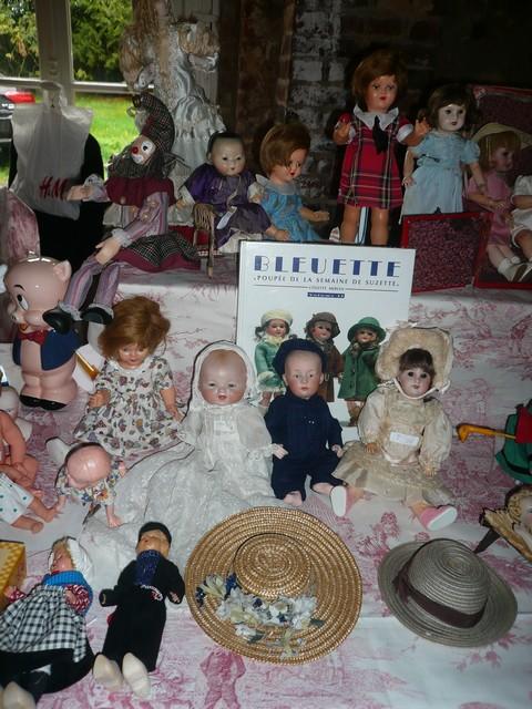 Les 16 et 17 octobre 2010 - Salon des poupées anciennes et exposition Bleuette au château de Fleury-la-forêt (27) 08010