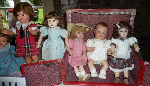 Les 16 et 17 octobre 2010 - Salon des poupées anciennes et exposition Bleuette au château de Fleury-la-forêt (27) 08110