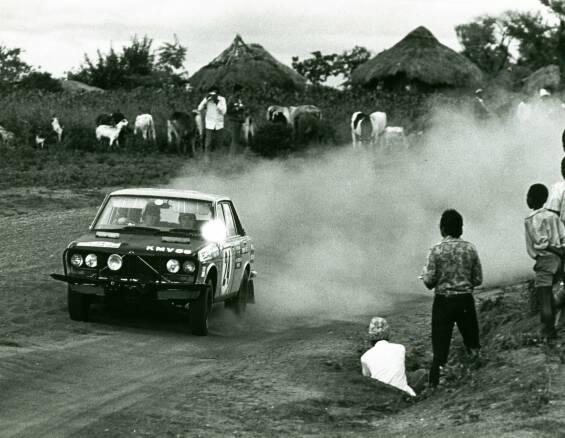 Vantage compétition de nos autos Japonaises préférées Datsun12