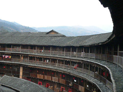 """Les """"Tulou"""", habitations traditionnelles des Hakkas du Fujian - Chine 96152210"""