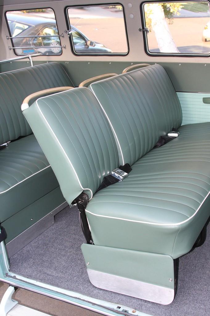 Deluxe 13 fenetres 1964 Inter10