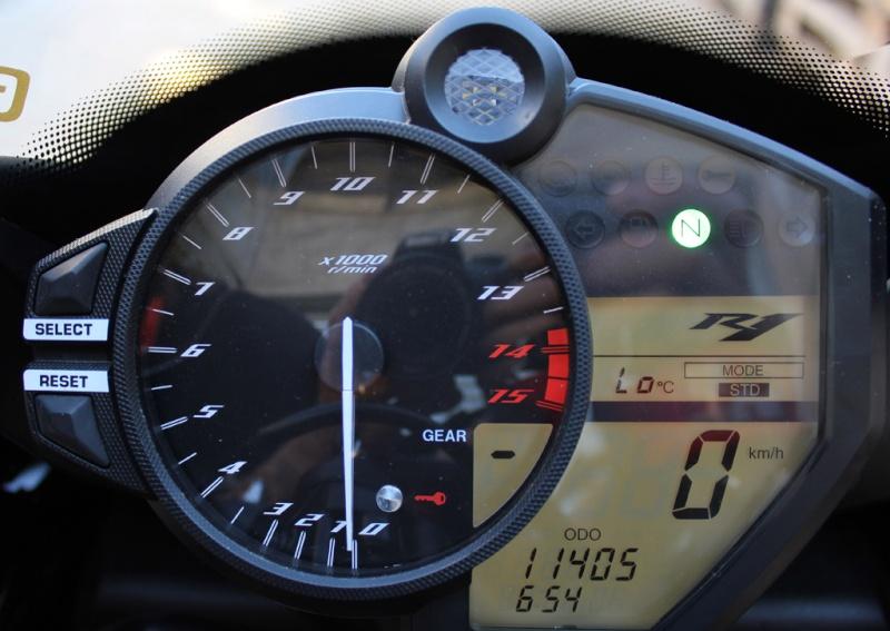 mon roulage à dijon-prenois le 30 mai 2011 Img_2618