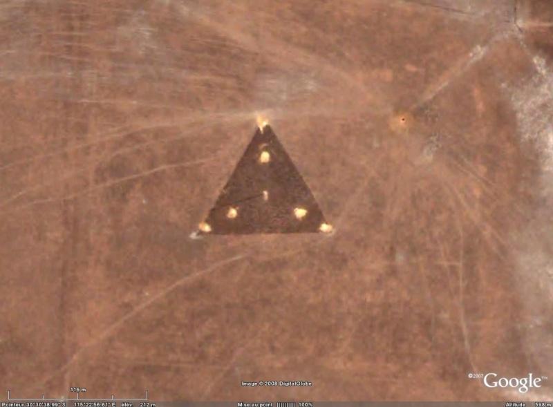 Lieux mystérieux de notre planete - Page 3 Triang10