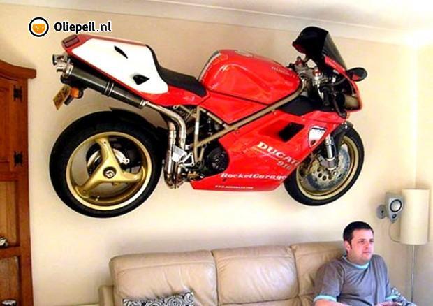 Déco bar  - Page 2 Ducati12