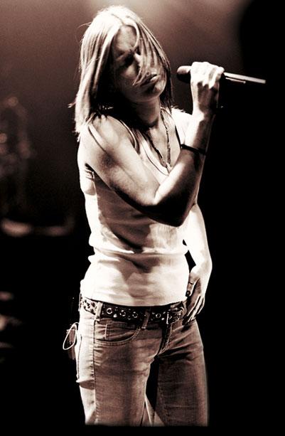 Hit or Miss ? version chanteuse/chanteur Backgr10