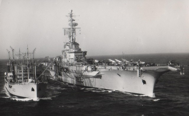 [Opérations diverses] ALBUM du CLEMENCEAU - Pacifique 1968 - Page 2 Pa2-110
