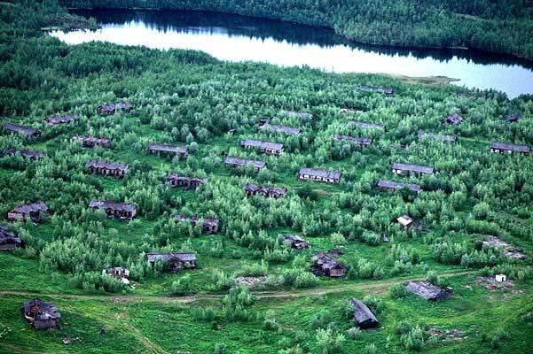 Bagnes et Camps d'internement / déportation découverts avec Google Earth Camps111