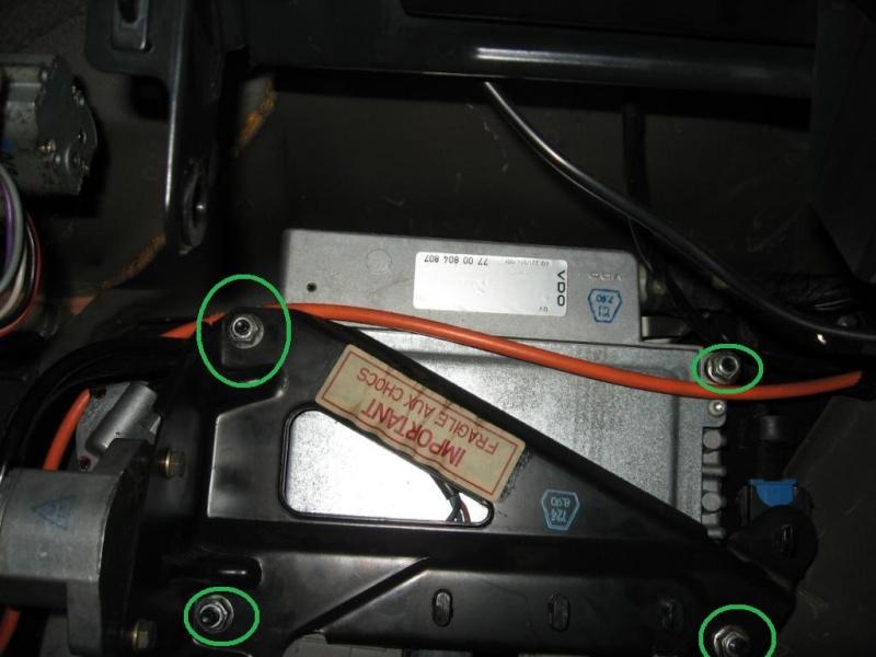 [TUTO] Changement du radiateur de chauffage R25 sans tomber le T.B. R25_0010