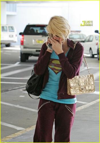 Candids: Paris Hilton to Star as Supergirl (17-12) Paris-10