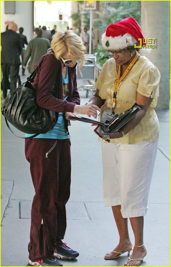 Candids: Paris Hilton to Star as Supergirl (17-12) Paris-14