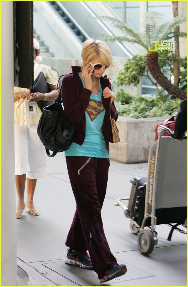 Candids: Paris Hilton to Star as Supergirl (17-12) Paris-27